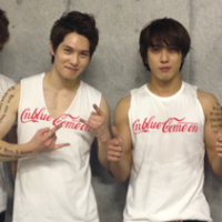 [Pic | Info] 121020 CNBLUE Share Group Shot @ 'Come On' Arena Tour ~Day 8~ Saitama Super Arena