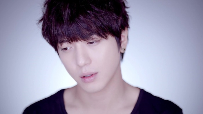 CNBLUE 4th Mini Album [Emotional Teaser] Yong Hwa ver. 29