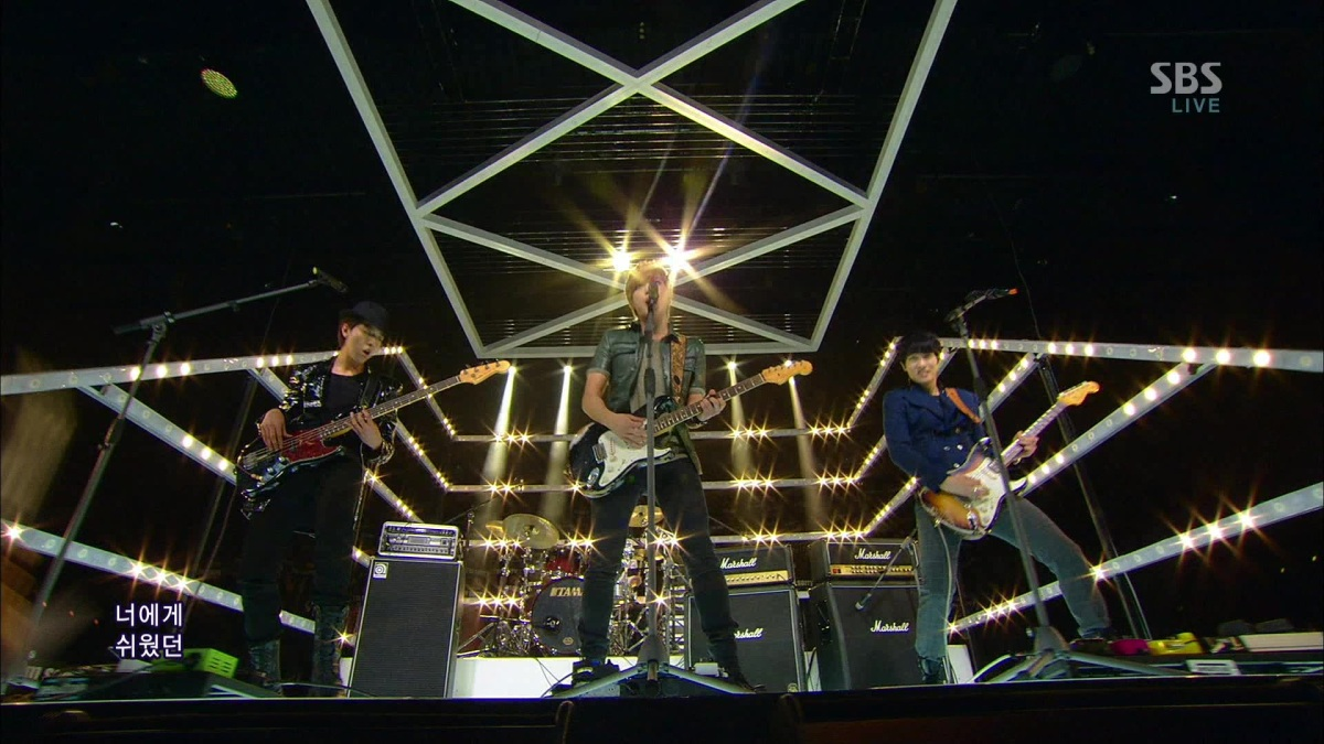 [Vid] 130127 CNBLUE - I'm Sorry LIVE Stage @ SBS Inkigayo Plus Screen Caps