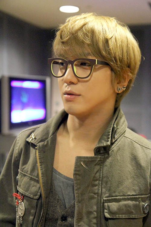 YH 130221 Dream of Asia Glasses