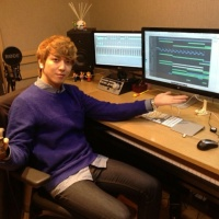 [Pic | Trans] 130207 Jung Yonghwa Shares Image of his Bedroom Music Studio
