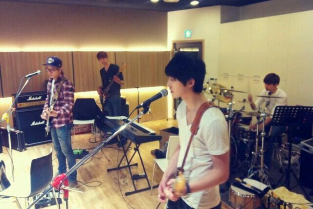 CNBLUE twitter 130327