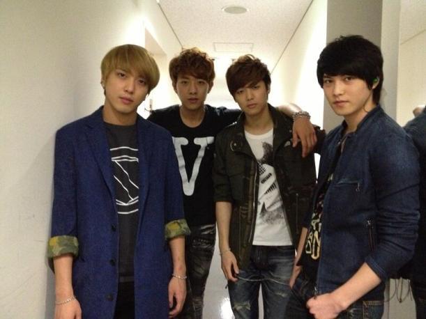 130427 FNC japan Tweet