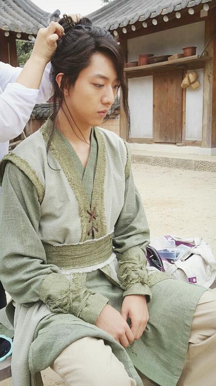 130618 Jungshin Knife & Flower BTS Twitter