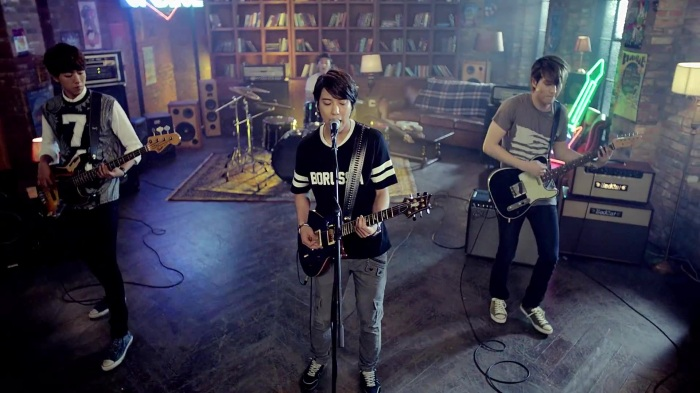 씨엔블루 (CNBLUE) - Feel Good (GALAXY Music) MV 030