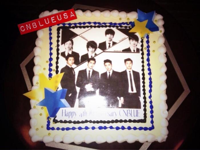 CNBLUE's 4th Anni Cake 140121